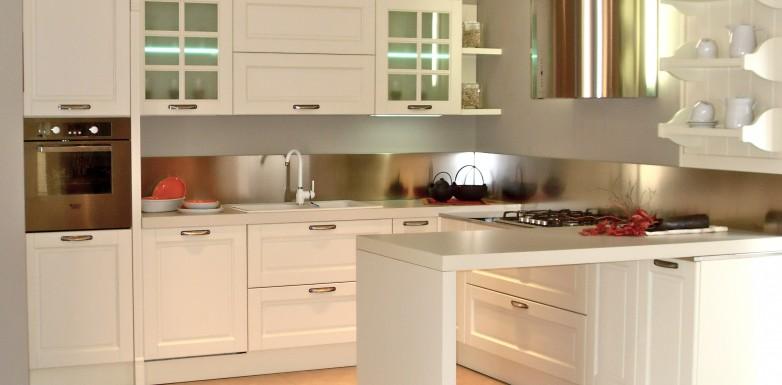 Arredo cucine classiche grangala cucine classiche with - Centro cucine usmate ...